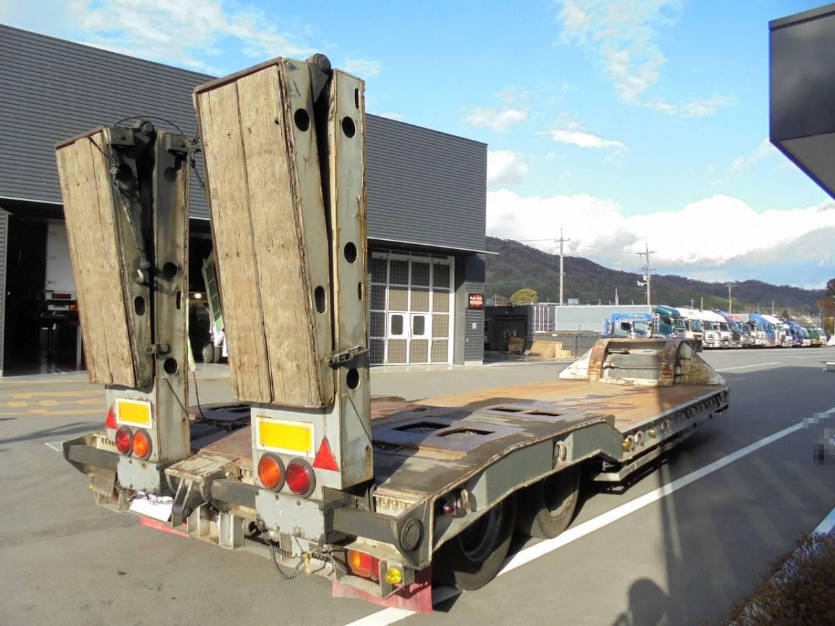 重機運搬 セミトレーラ 2軸