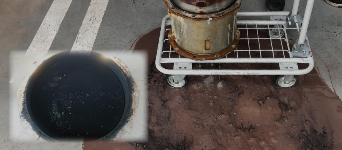 洗浄前のDPFマフラーはとても汚れています