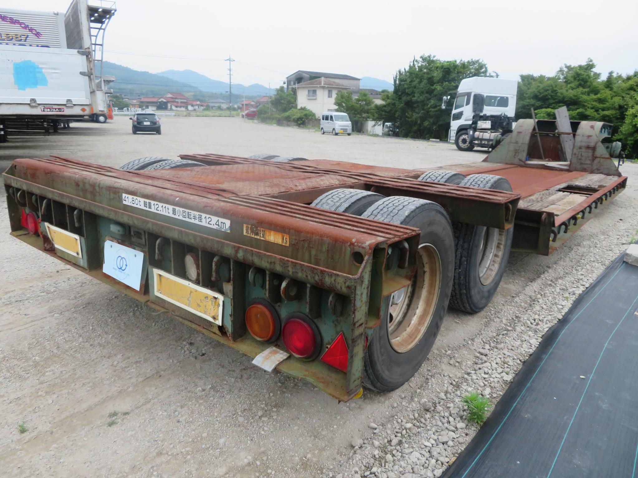 重機運搬 セミトレーラ